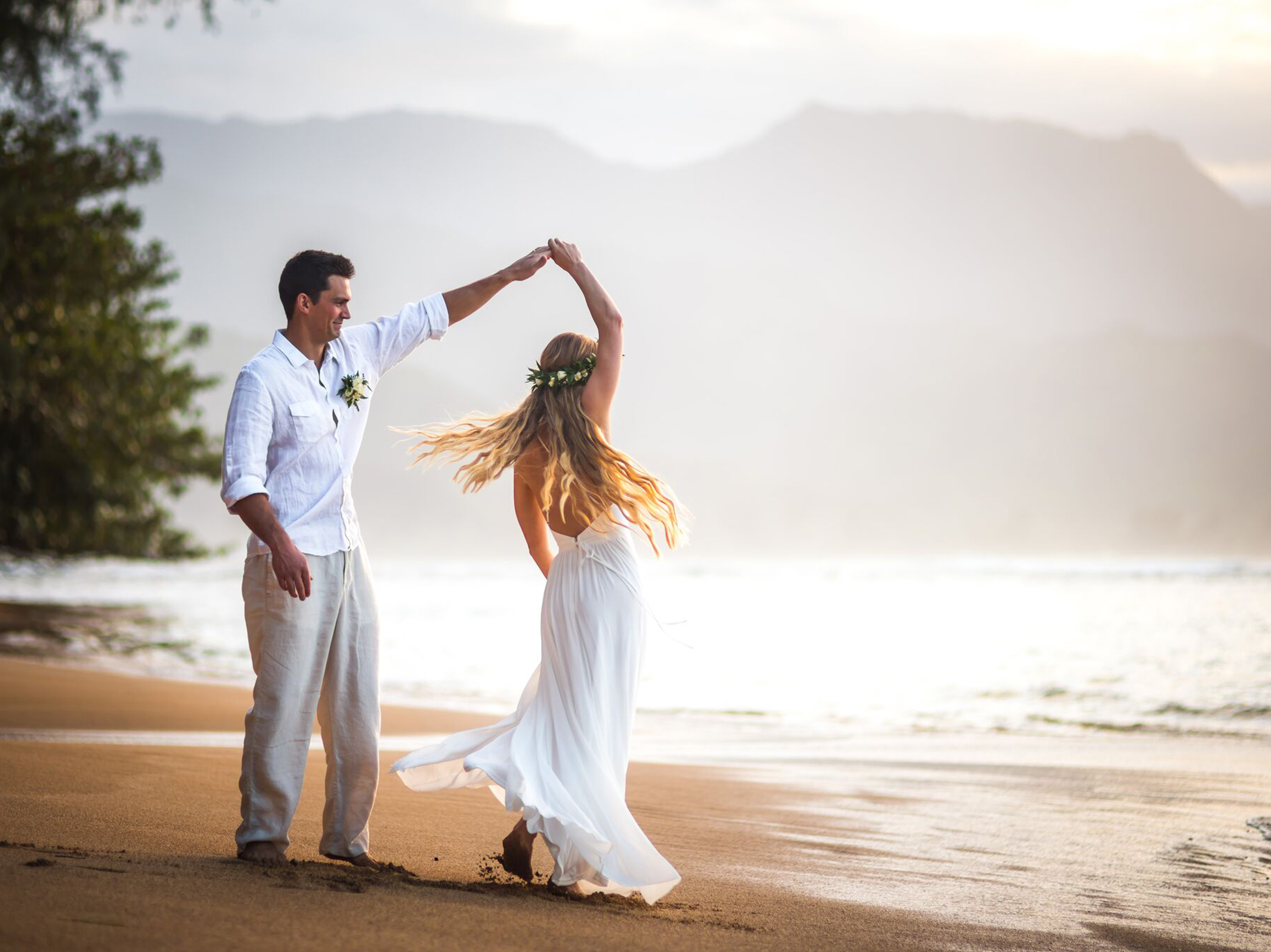 Kauai elopement wedding.