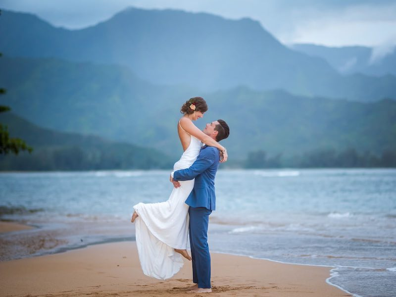Eloping couple married on the island of Kauai.